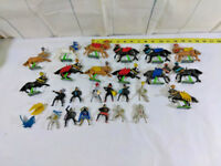 Vtg Britains Deetail 1971 Knights On Horses 13 Horse Figures 12 Riders  Mid Evil