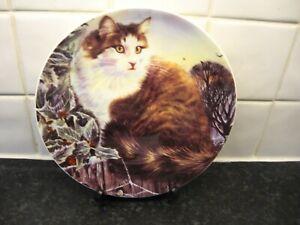 CATS  IN WINTER  PLATE - AMBER -  DANBURY MINT