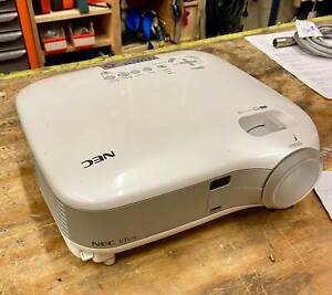 $100 OFF! Used NEC VT 670 Projector - Good Condition