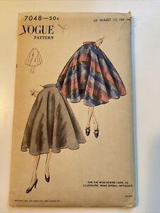 """Vintage Vogue Sewing Pattern Circle Skirt Unused 7048 26"""" Waist"""