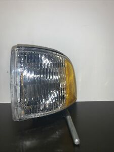 1994 2002 DODGE Pick-Up Parking Turn Signal Light Lamp Front LEFT TYC 18-3078-01