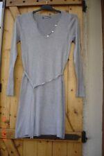 robe Pull tunique grise avec ailes d'ange en strass dans le dos Taille S