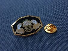Pin's Johnny Hallyday egf superbe aigles eagles doré
