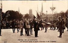 CPA MILITAIRE Fétes de la Victoire-Mr Poincaré remet la Légion d'Honneur(317463)