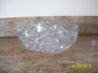 Imperial VTg. Crystal Sparkling Elegant Nucut Saw Tooth Press Glass Serving Bowl