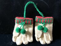 Vintage Hallmark 1986 Decorative Knitted Mittens Gloves Christmas Ornaments
