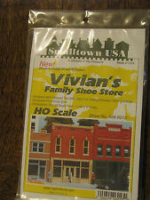 Smalltown USA HO #699-6013 Vivian's Family Shoe Store