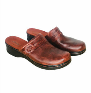 Clarks Women's Sz 10 Red Leather Slip On Clogs Comfort Mules with braid detail