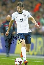 Angleterre main signé Jay Rodriguez 12x8 photo 13/14.