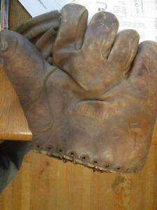Pre War 1930's-40's Charlie Keller Baseball Glove-NY Yankees-Scarce Model