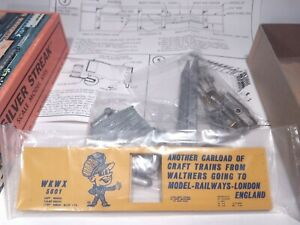 SILVER STREAK 929-28 HO SPECIAL ED LONDON Model Railways L/T&C Box Car Walthers