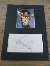 Diana Ross signed autógrafo en 25x35 cm Passepartout inperson Look