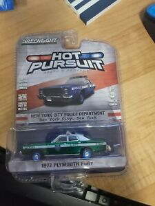 1/64 GREENLIGHT HOT PURSUIT all GREEN MACHINE CHASE NYPD 1977 PLYMOUTH FURY