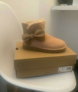 Womens UGG boots 100% genuine size 4 new