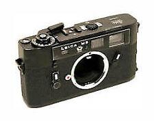 Analoge Kameras mit manuellem Fokus und Tasche/Schutzhülle