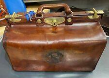 BEAUTIFUL 1900'S ENGLISH LEATHER GLADSTONE BAG MOTORING KIT BAG TRAVEL HOLD ALL