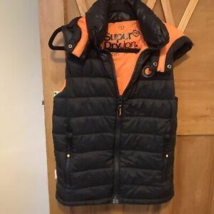 Superdry Mens Small Hooded BodyWarmer/Gilet Puffer Style Black Hooded Detachable