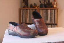 Sanita 38 Reds Golds Leather Multi Design Stapled Pro Clogs Women's US 7-7.5