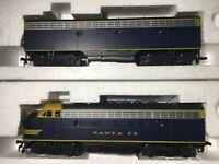 Stewart / Kato HO Santa Fe F3 A/B Diesel Freight Locomotive Set Phase IV 8450-51