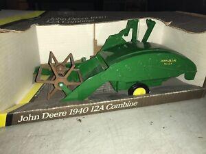 ERTL John Deere 1940 12A Combine 1/16 Scale #5601, NIB, USA