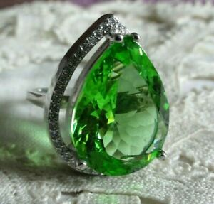 Ring, Silber, mit 1 großen Tsavorit, Gr.19