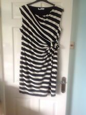Ladies Dress from Debenhams Collection size 18 in very good condition
