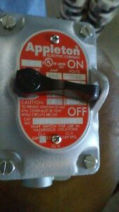 "New Appleton 28-350 2-Pole 20Amp Front Operated Tumbler Switch 1/2"" EDS Series"