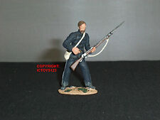 BRITAINS 20037 ZULU WAR BRITISH COMMISSARY DALTON LOADING RIFLE TOY SOLDIER