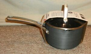 NEW ! Calphalon Classic Non Stick  1 1/2 Qt. Sauce Pan with Lid Take a LOOK !!!!