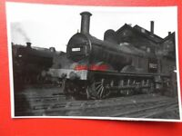 PHOTO  LMS JOHNSON CLASS 2F 0-6-0 LOCO NO 58203  AT ROUSLEY 19/9/48