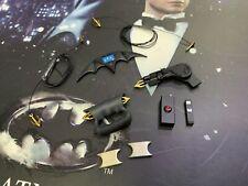 Hot Toys MMS294 DC BATMAN RETURNS BATMAN & BRUCE WAYNE SET 1/6 Weapon