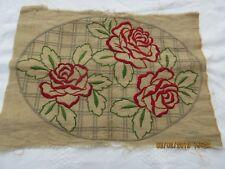 Jolie pièce ancienne brodée main pour couture, dessus de coussin,napperon ......
