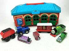 Thomas the Train & Friends Take Along Roundhouse Station With 7 Trains Caboose