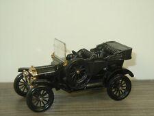 1915 Ford Model T - Corgi Classics England *41453