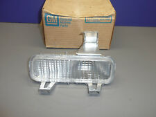 NOS OEM GM 1977-79 Impala Caprice RH Parking Lamp Turn Signal Assembly 913210