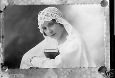 Portrait jeune fille en communiante - Ancien négatif 13x18 photo an. 1920 30
