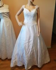 Alfred angelo wedding dress white sleevelss no train bust 34 waist 27