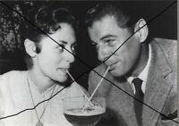 CATERINA VALENTE RUDOLF PRACK 1957 DAS EINFACHE MÄDCHEN PRESSEFOTO