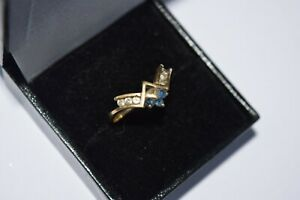 9ct Yellow Gold Wishbone Ring Set With Cubic Zirconias In Clear & Black Stones
