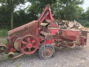 massey ferguson 701 Baler Not T20 Tractor