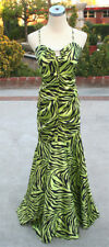 NWT MORGAN & CO $140 Lime / Black Junior Formal Gown M