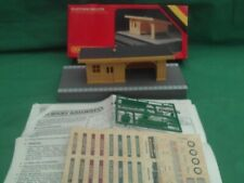 HORNBY R.510 PLATFORM  AND SHELTER NEW IN BOX