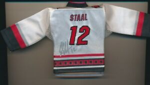 RARE SIGNED 2006-07 UPPER DECK ERIC STAAL SP MINI AWAY/VARIANT JERSEY HURRICANES