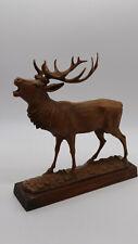 Röhrender Hirsch Figur - 70er Jahre - Dekoration - auf Holzsockel - 27,5 cm hoch