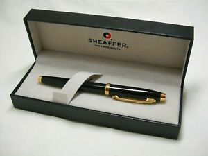 Vintage Sheaffer Black Lacquer Gold Trim Fountain Pen w/Case