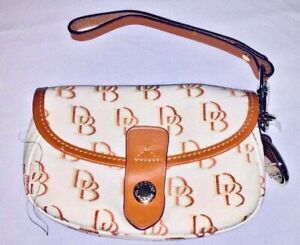 Dooney & Bourke Clutch Wristlet with Detachable Strap Mint Condition