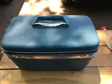 VINTAGE SAMSONITE SILHOUETTE TRAIN MAKE-UP CASE W/O MIRROR Or Tray~Baby BLUE