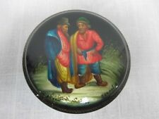 """RUSSIAN FEDOSKINO HAND PAINTED LACQUER ROUND BOX SIGNED w 2 MEN """"AN ARGUMENT"""""""