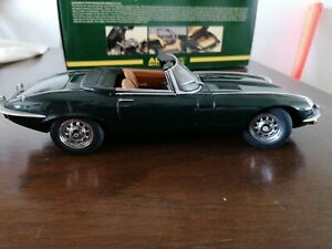 Boxed AUTOART Millennium E-Type Roadster Series 3 V12 1:18 British Racing Green