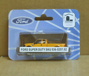 RIVER POINT Station HO Ford Super Duty, Yellow